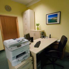 Biurko w sekretariacie