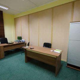 Biurka w gabinecie B